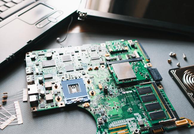 Alienware-Laptop-Motherboard-Repair